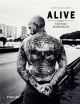 Couverture : Alive : Tattoo portraits Julien Lachaussée,  Tin-tin