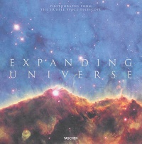 Vignette du livre Expanding Universe : photographes from the Hubble Space Telescope