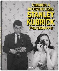 Vignette du livre Stanley Kubrick Photographs : Through a Different Lens